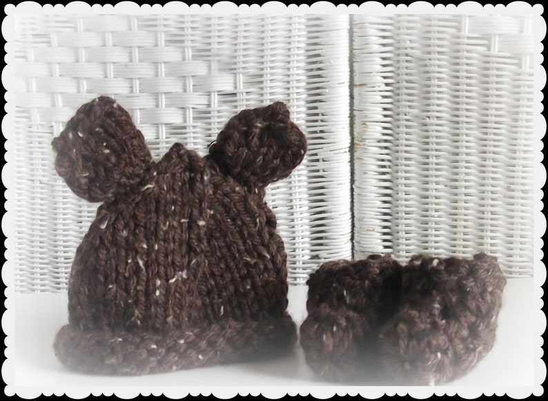 Baby Shower Gift Baby Bear in the Woods Diaper cover Photo Prop Knitted hat and booties