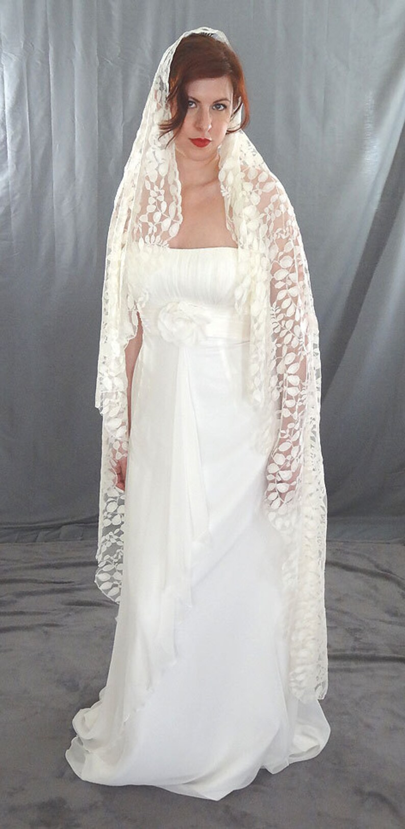 Lace Mantilla Veil with Embroidered Lace in Leaf Pattern image 0