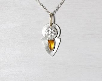 Orange Montana Sapphire Solar Shield Necklace Silver 14K Yellow Gold September Birthstone Gift Idea Autumn Sun Color Pendant - Sonnenschild
