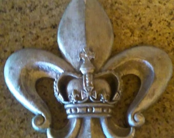 Wall Fleur De Lis Plaque With Crown Center - FREE USA SHIPPING - Old World, Tuscan, Saints, New Orleans French Decor