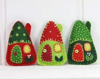 Felt Christmas ornaments, Handmade Red and green patchwork houses, Felt house Christmas ornaments, Miniature houses, Felt cottages.