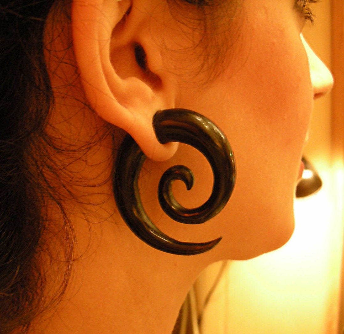 Tribal Gauges Spiral Wood and Turquoise Ear Stretcher,Stretching Earlobe,Gauge Earring,Gauge Ear Stretcher,Stretcher Earring,Organic Gauges