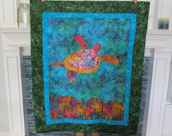 SEA TURTLE Wall Hanging, Sea Turtle Baby Quilt, Tropical Sea Life Turtle Hawaiian Coastal Baby Nursery Quilt, Lap Quilt, Quilted Blanket