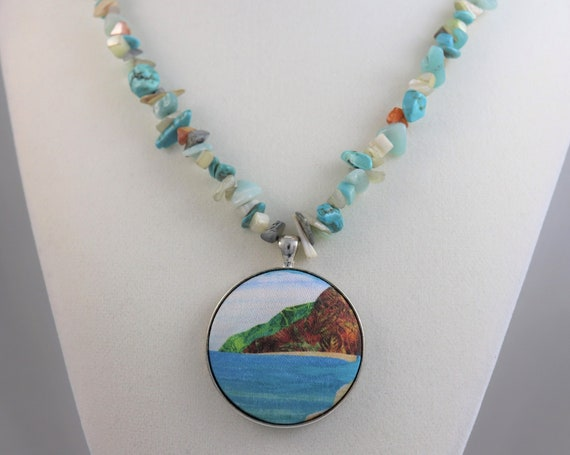 Tropical Beach Pendant Necklace Bali Hai Mermaid Gemstone Chip Beads Hawaii Ana Quilt Art