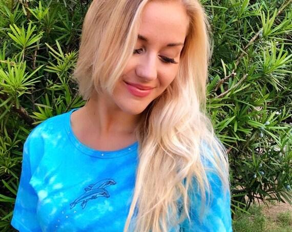 Ocean DOLPHINS Tropical TIE DYE Shirt Caribbean Aqua Blue & Green Rhinestones Embroidered Applique~ S M