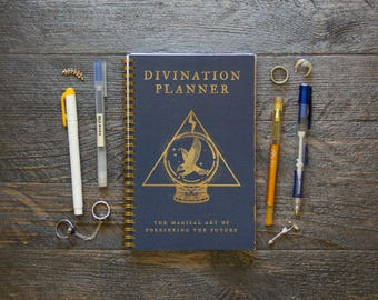 Medium Weekly Planner (180-Pages)   12 Months   Blue Divination Planner