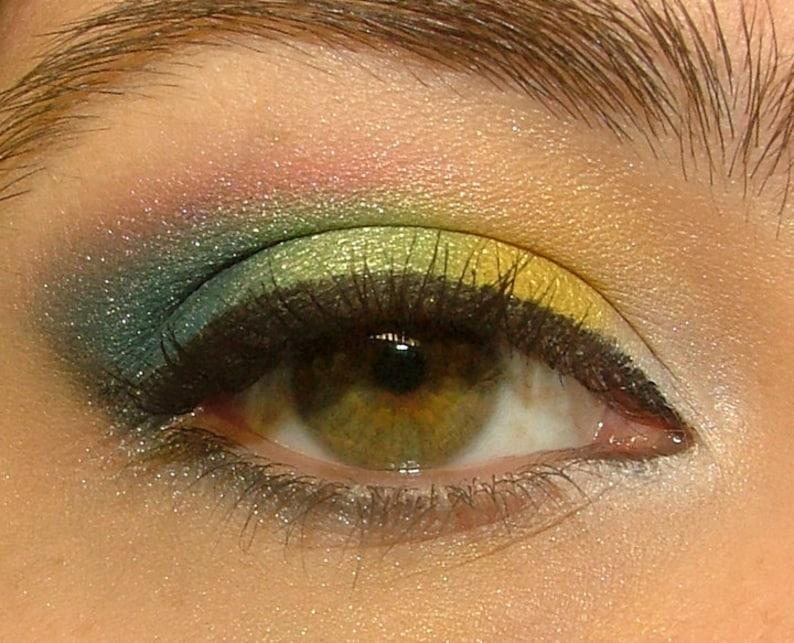 Random Eyeshadow Sampler Pack image 0