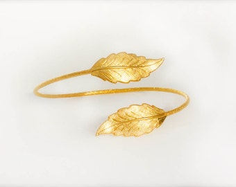 Tinkerbell Dainty Leaves Bracelet, Gold Bridal Jewelry, Gold Bridal Bracelet, Gold Wedding Bracelet, Birthday Gift, Best Friend Gift, Fairy