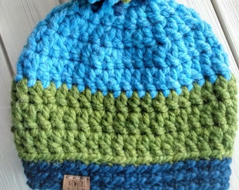 READY TO SHIP - Kids - 3-6 years - Hat - Beanie with yarn pompom - blue green color block - acrylic wool - crochet - handmade gift