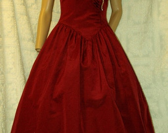 58986572b756 BURGANDY BeLL Jordan Couture~Vintage 1950's~Sweetheart Ruched Couture Party  Prom Dress..Shelf-Bust