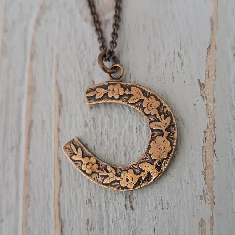 Bronze Horseshoe Necklace, Horse Lovers Pendant, Equestrian Gifts, Gold  Horseshoe, Gift for Farmer, Blacksmith Jewelry, Lucky Necklace