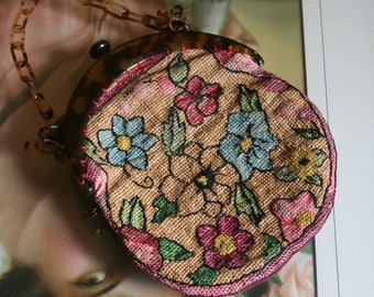1920s Floral Needlepoint Frame Purse / As Is