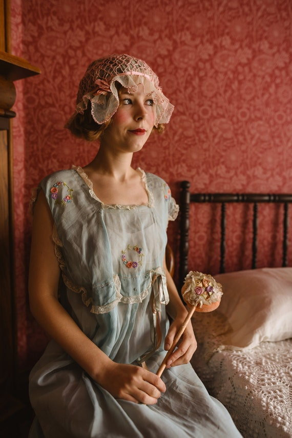 1920s Pretty Cream & Pink Boudoir Cap