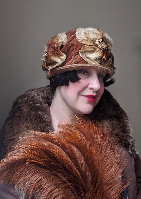Early 1920s Amber Silk Velvet Floral Hat