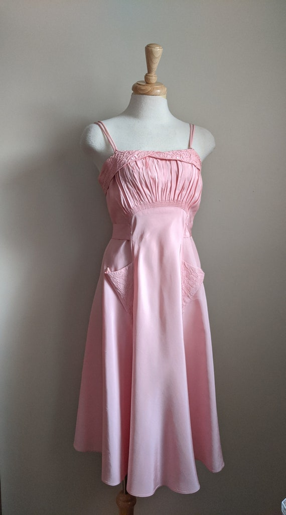 Late 1930s Pink Taffeta Dress & Bolero Set - image 4