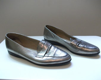 Metallic 80s Leather Loafers, Size 6.5