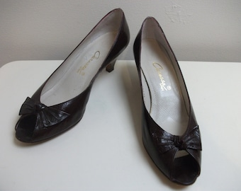 Burgundy Leather Open Toe 80s Bow Pumps, Size 7.5
