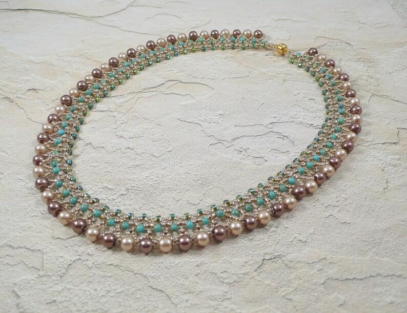 725360cb7f78 Collar tejido de perlas turquesa y crema