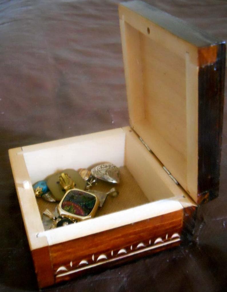Vintage handmade carved decorative box Wooden jewelry storage box jewelry storage box jewelry organizer treasure box keepsake box