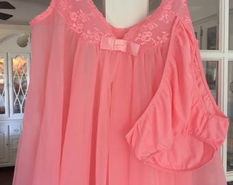 Vintage Lingerie Coral Pink ~ Valentines Gift ~ Nylon Babydolls ~ Sexy Lingerie ~ Gift Giving ~ Vintage Clothing ~ Size Small