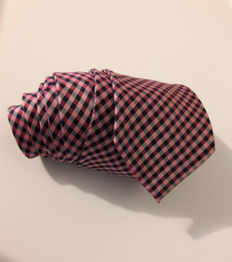 Nautica Silk necktie with pink white and black 60 14 long necktie Big and Tall B/&T