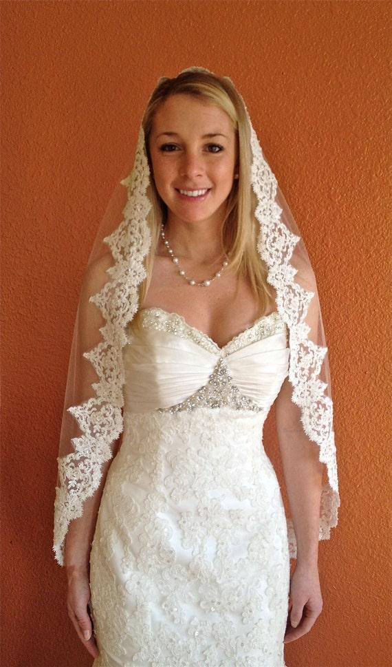 Mantilla Lace Veil Alencon Veil Fingertip Veil Lace Veil Ivory Veil