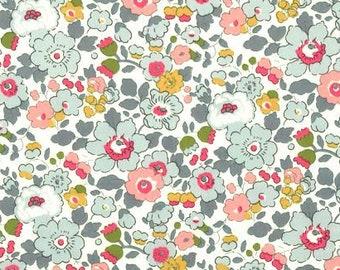 Liberty Tana Lawn Fabric, Liberty of London, Liberty Japan, Sewing Fabric, Betsy, Cotton Floral Print Scrap, Patchwork Quilt Fabric, kt2019p