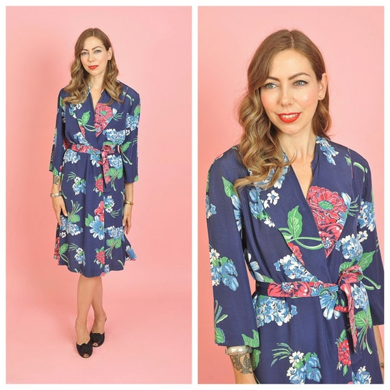 1940's/ 1950's Blue Floral Short Dressing Gown/ 40