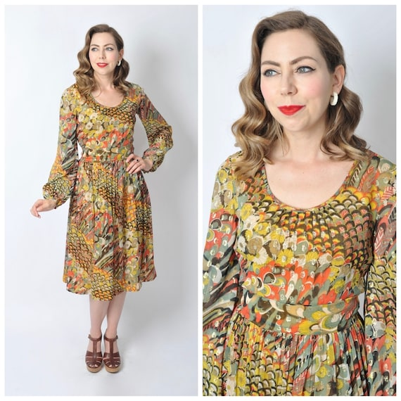 Vintage Late 1960's Gold and Printed Chiffon Bisho