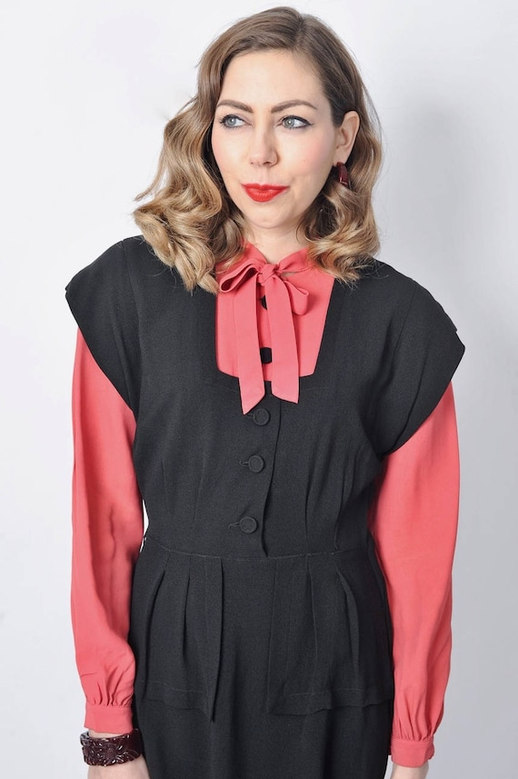 Vintage 1940's Black and Pink Rayon Dress/ 40's C… - image 4