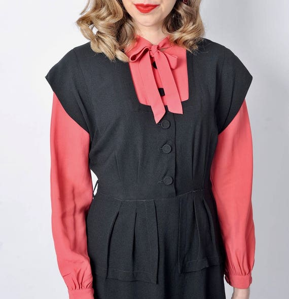 Vintage 1940's Black and Pink Rayon Dress/ 40's C… - image 5