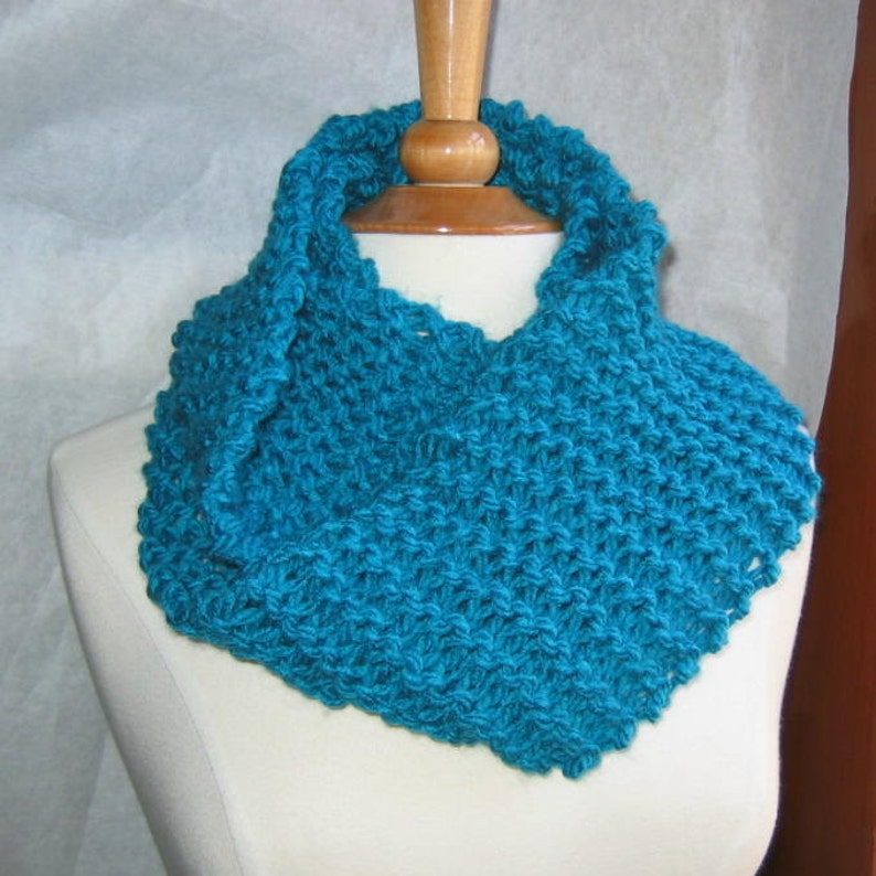 Lush Teal Infinity Cowl Scarf Neck Warmer image 0