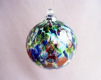 Hand Blown Art Glass Christmas Ornament/Ball/Suncatcher.