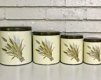 Vintage Set of 4 Nesting Metal Kitchen Canisters // Retro Kitchen Décor // Canister Set // Kitchen Prop
