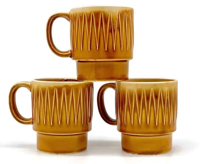 Vintage Set of Japanese Ceramic Mid Century Modern Design Mugs