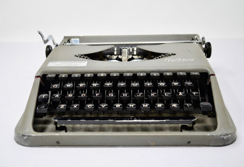 Vintage 1950/'s Halberg Portable Manual Typewriter With Case Unusual Characters on Keys Made in Holland