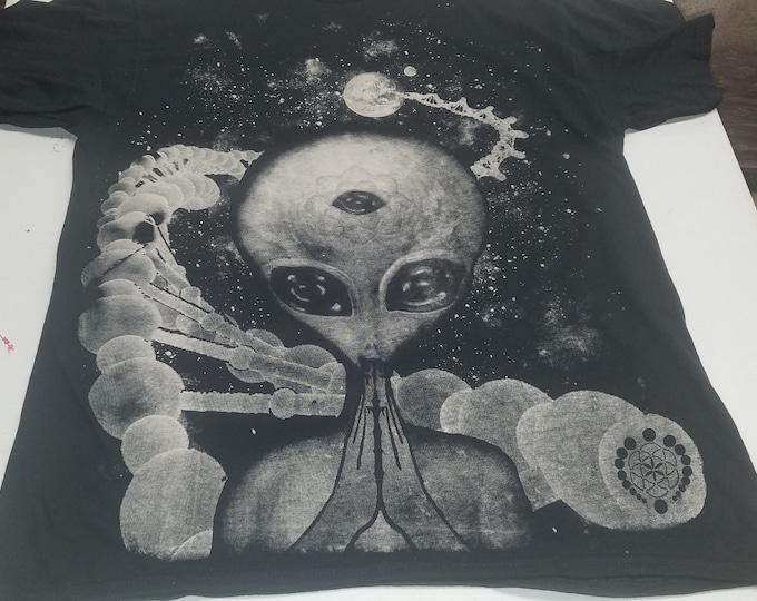 T-Shirt - DNAlien (White on Black)