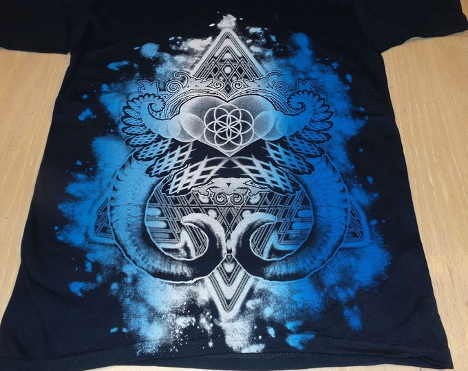 T-Shirt - Heart Fractal (Blue/White on Navy)