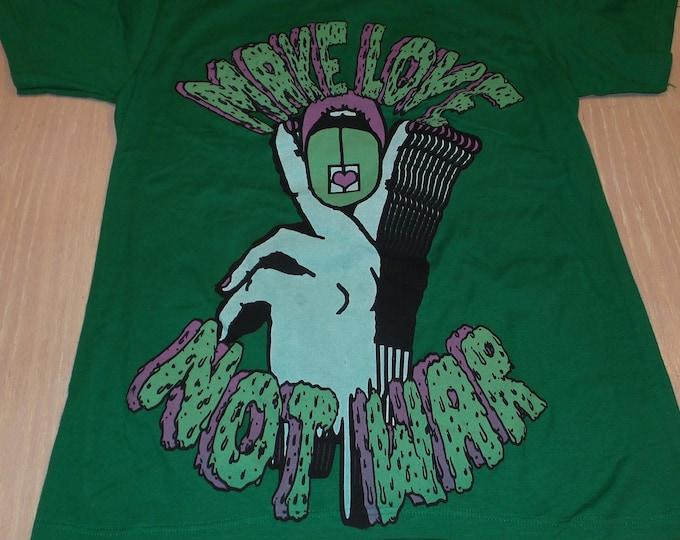 T-Shirt - Make Love Not War (Pink/Green on Green)