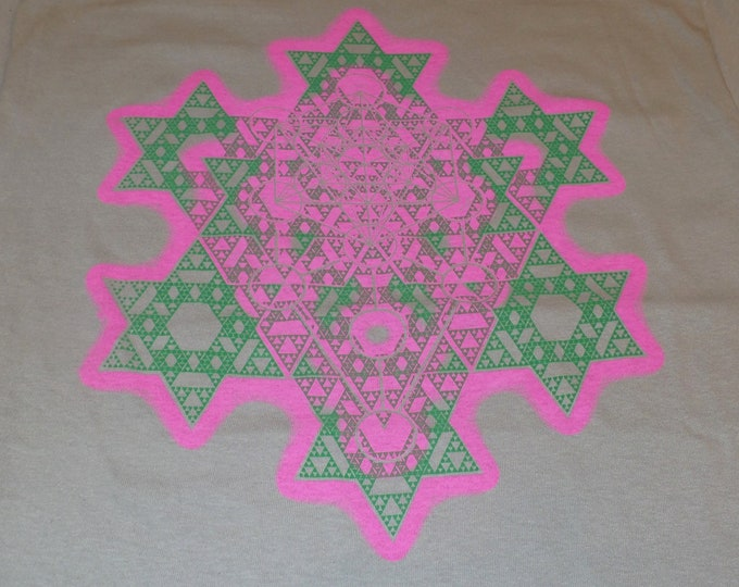 T-Shirt - Merkaba Fractal (Pink/Green on Sand)