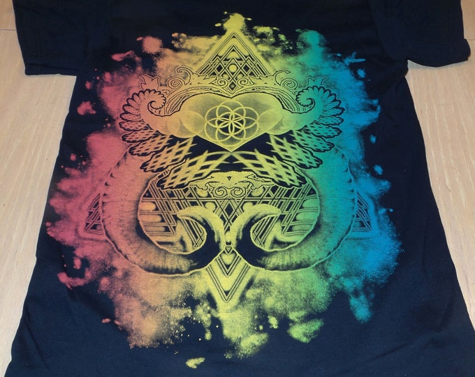 T-Shirt - Heart Fractal (Rainbow on Navy)