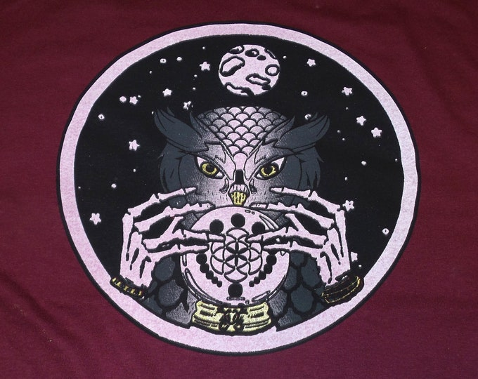 T-Shirt - Owl Seer (on Maroon)