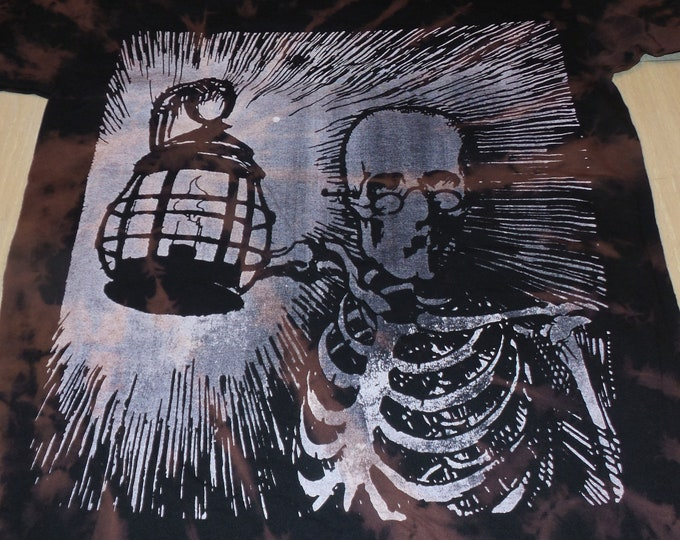 T-Shirt - Keeping The Darkness Lit (Off-White on Tie-Dye)