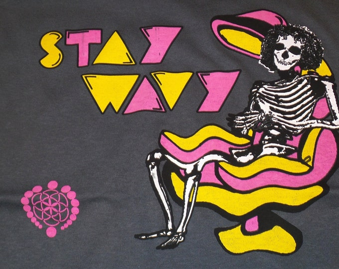 T-Shirt - Stay Wavy (Orange/Pink on Charcoal)