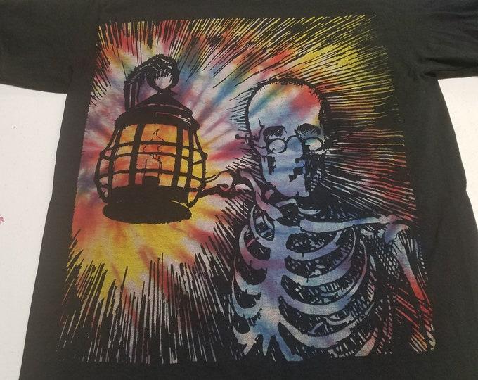 T-Shirt - Keeping The Darkness Lit (Tie-Dye/Black)