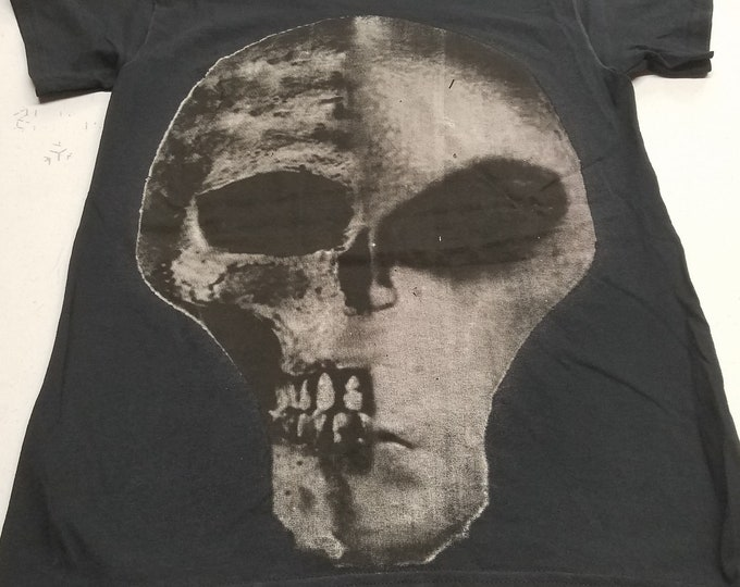 T-Shirt - Skullian (White on Black)