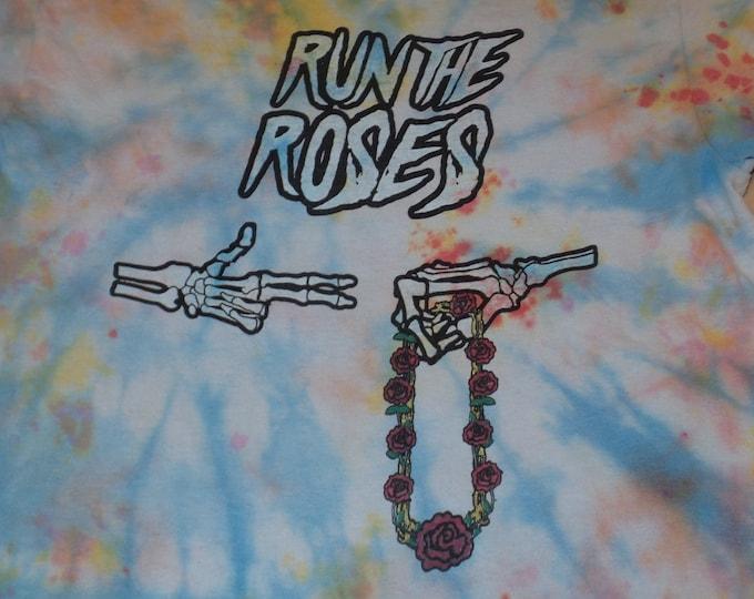 T-Shirt - Run The Roses (Tie Dye)