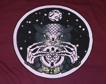 T-Shirt - Owl Seer (on Maroon)