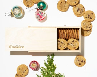 Cookie Gifting Box - Christmas Cookies - Holiday Goodies - Wooden Cookie Box - Acrylic Cookie Box - Personalized Gift - Cookie Lover Gift
