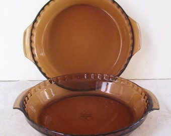 2 Vintage Anchor Hocking Fire King Glass Pie Plates with Fluted Edge Grip Handles 10 Across Cottage Kitchen & Amber pie plate   Etsy
